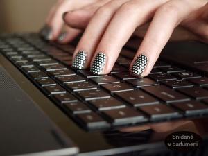 Foceno druhý den. Kolik diamantů zapadlo do klávesnice?