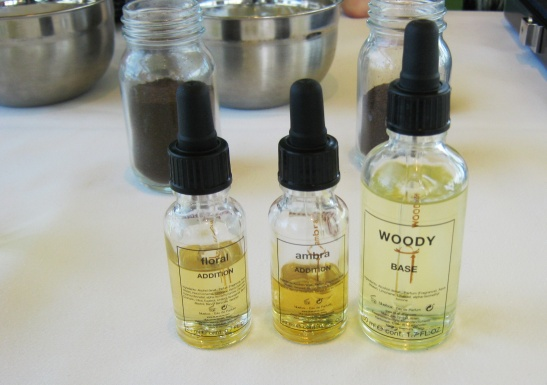 12 degustace parfémů
