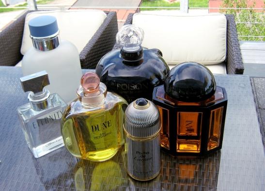 18 degustace parfémů