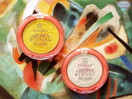 Dermacol je prodává pod označením Solid Perfume Aroma Ritual. Vpravo je rebarbora s jahodami, žlutou barvu má vodní meloun.